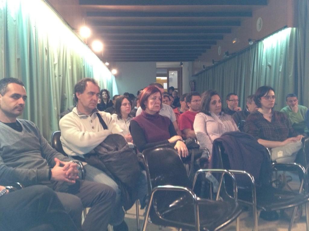 El públic en un moment de la reunió